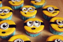 https://verenaslittleworld.wordpress.com/2015/08/22/minion-muffins/